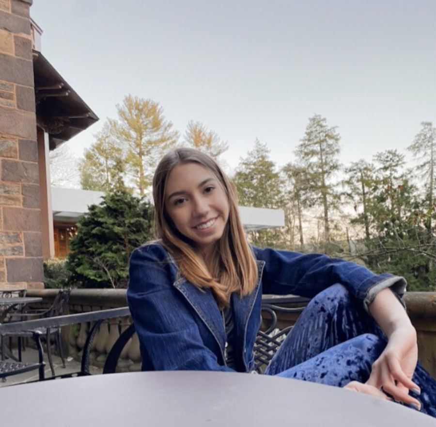 Senior Spotlight: Eleanor Fiscor