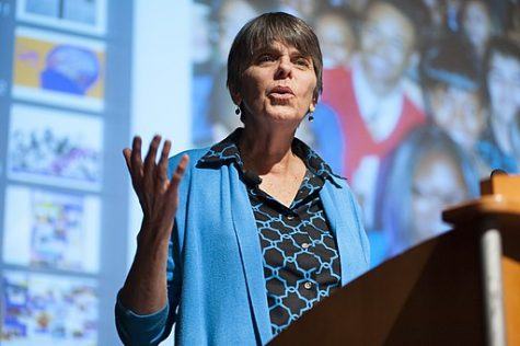 Mary Beth Tinker in 2014 speaking at E.W. Scripps School of Journalism about student free speech to promote First Amendment rights for children.